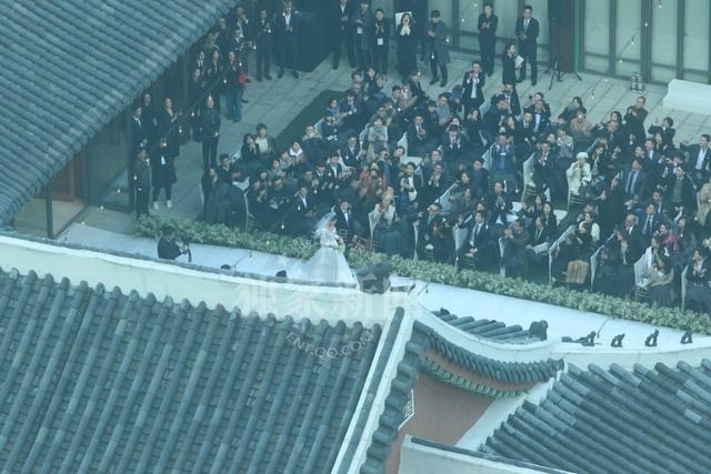Hot: Song Hye Kyo và Song Joong Ki trao nhẫn trong hôn lễ thế kỷ - 23