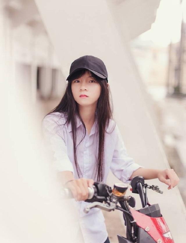 """Xuất hiện """"em gái góc nghiêng"""" của Sơn Tùng M-TP khiến dân mạng xôn xao - 12"""