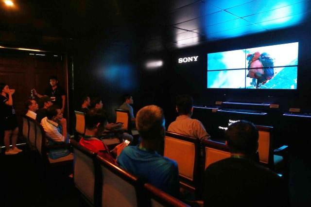 Loa soundbar Sony HT-ST5000 được sự quan tâm của đông đảo các tín đồ âm thanh tại AV Show 2017