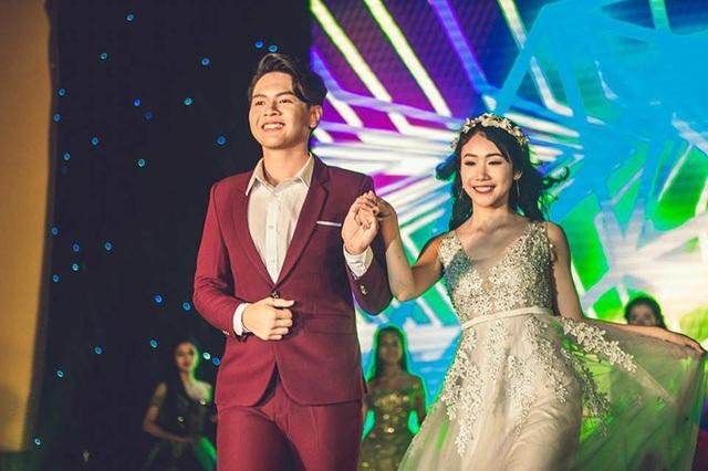 Mai Nguyễn Thanh Tùng tự tin sánh đôi bạn thi Nguyễn Thủy Trang trong phần thi trang phục
