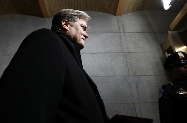 Ông Bannon nguyên là chủ tịch điều hành của Breitbart News, trang tin được đánh giá có quan điểm bảo thủ vượt xa Fox News.