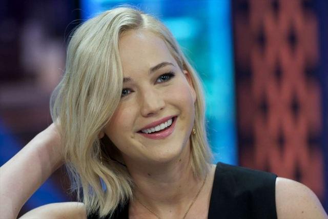 Nữ diễn viên 27 tuổi, Jennifer Lawrence, là bằng chứng sống về việc tuổi tác không liên quan tới tài năng. Cô đã giành được vài giải Oscar và tích lũy một khoản không nhỏ trong ngân hàng dù còn khá trẻ. Với vai diễn trong The Hunger Games: Mockingjay Part 2 (2015), cô kiếm được hơn 15 triệu USD và hơn 20 triệu USD cho vai diễn trong Passengers (2016).