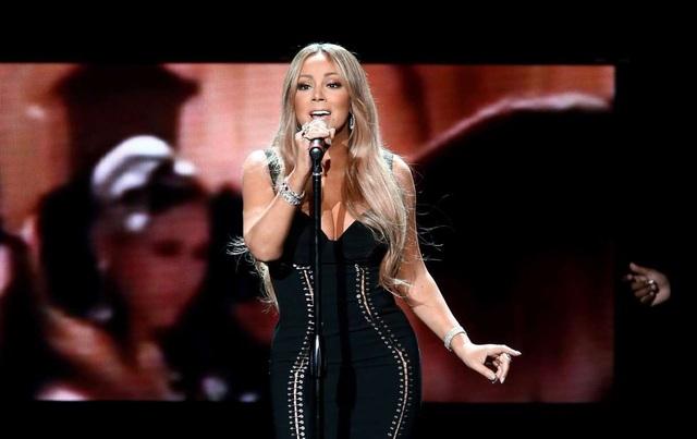 Mariah Carey từng kiếm được 1 triệu USD cho một buổi diễn gồm 4 ca khúc tại một bữa tiệc sinh nhật.