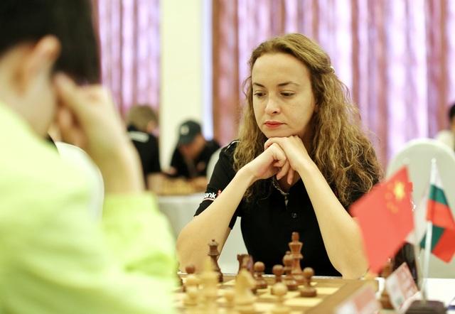 Nhà cựu vô địch thế giới năm 2004 Stefanova Antoaneta (Bulgaria) tạo được ấn tượng rất lớn khi xuất hiện ở giải năm 2017