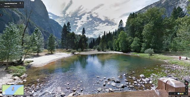 Mặt hồ trong ngắt như gương ở công viên quốc gia Yosemite, Mỹ.