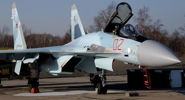 Cận cảnh máy bay Su-35S (Ảnh: Sputnik)