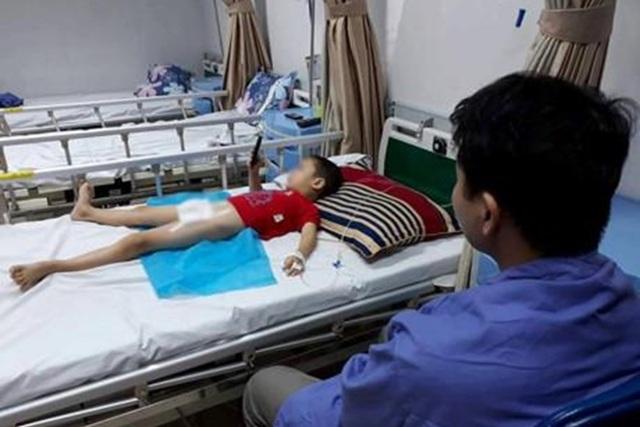 """Vụ hàng loạt trẻ bị sùi mào gà: """"Thủ phạm"""" là dụng cụ y tế của y sĩ Hoàng Thị Hiền - 1"""