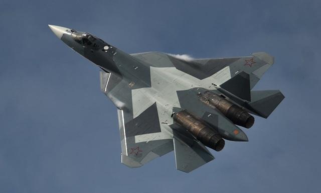 Chiến đấu cơ Sukhoi-T50 của Nga thực hiện chuyến bay đầu tiên vào tháng 1/2010 và đang ở giai đoạn bay thử nghiệm cuối cùng trước khi bàn giao cho các lực lượng trong thời gian tới. (Ảnh: Sputnik)