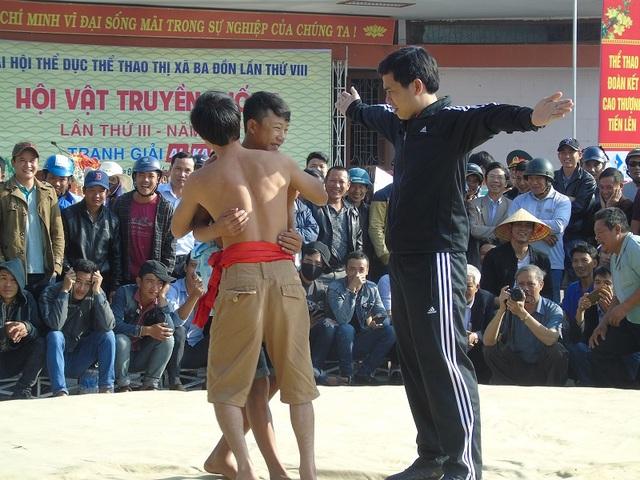 Quảng Bình: Gay cấn lễ hội vật truyền thống đầu xuân Đinh Dậu - 10