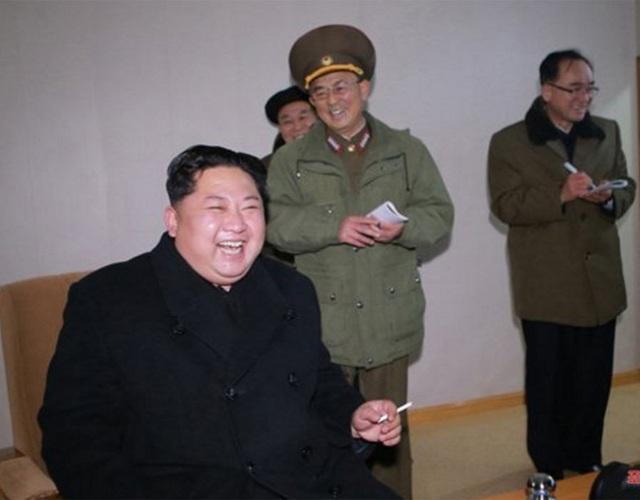 Sau khi giám sát phóng thành công tên lửa đạn đạo liên lục địa mới Hwasong-15, nhà lãnh đạo Kim Jong-un tự hào tuyên bố rằng giờ đây chúng ta cuối cùng đã hiện thực hóa mục đích vĩ đại mang tầm lịch sử với việc hoàn tất lực lượng hạt nhân quốc gia, mục tiêu xây dựng một cường quốc tên lửa, KCNA cho biết.