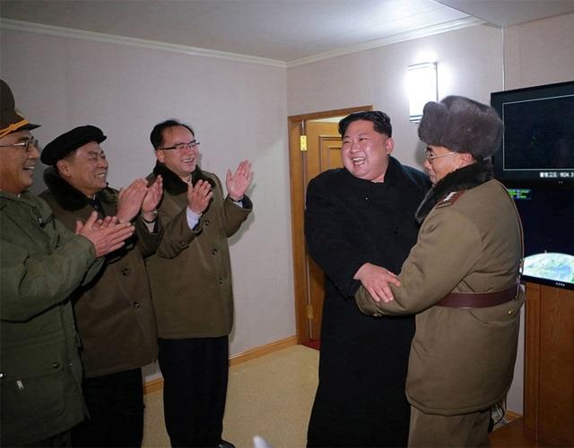Giới chuyên gia nhận định, nếu tên lửa do Triều Tiên phóng đi trong vụ thử mới nhất thực sự là Hwasong-15 thì đây sẽ là bước phát triển mới trong chương trình tên lửa của Bình Nhưỡng.