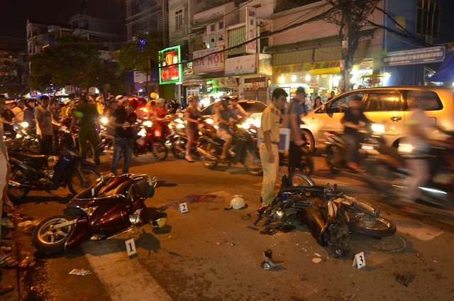 Hiện trường vụ tai nạn ở đường Nguyễn Biểu quận 5