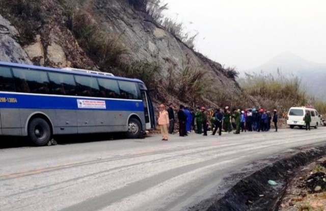 Hiện trường vụ tai nạn trên đèo Thung Khe
