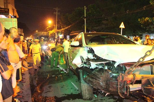 Chiếc xe gây tai nạn ở quận 12 bị hư hỏng nặng