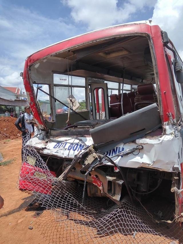 Xe chở học sinh gặp nạn khiến nhiều người thương vong (ảnh CTV)