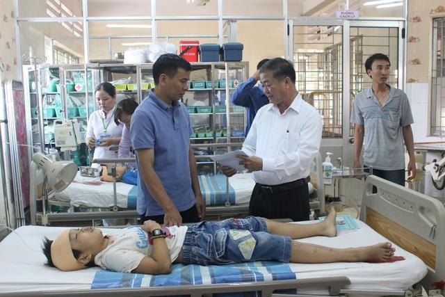 Nhiều trẻ em gặp nạn trong vụ tai nạn nghiêm trọng ngày đầu năm. Ảnh: TTXVN