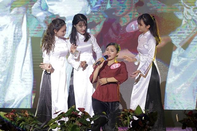 Từng đại diện thanh niên Thủ đô phát biểu tham luận tại Đại hội Đoàn toàn quốc lần thứ XI, Nguyễn Thạch Thảo (sinh viên trường ĐH Hà Nội) nhận được sự ủng hộ nhiệt thành của khán giả khi vừa múa, vừa hát ca khúc Nhật kí của mẹ