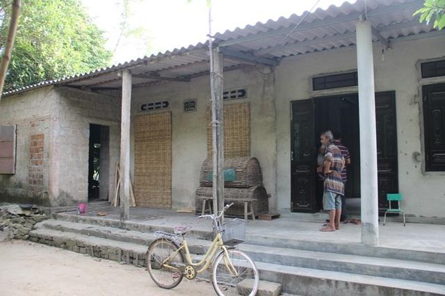 Căn nhà gia đình Luyên sinh sống được các nhà hảo tâm góp sức xây tặng