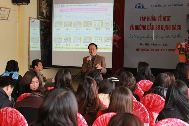 Quang cảnh buổi tập huấn ATGT cho nụ cười trẻ thơ tại Phú Thọ.