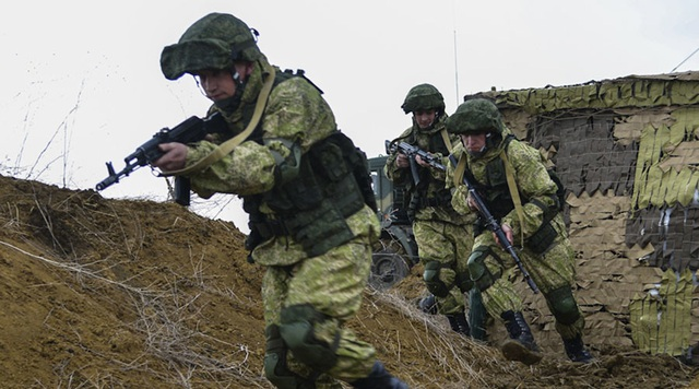 Các binh sĩ Nga tham gia tập trận (Ảnh: RT)