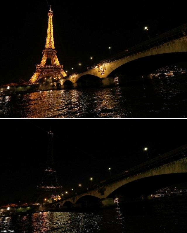 Tháp Eiffel ở Paris, Pháp.