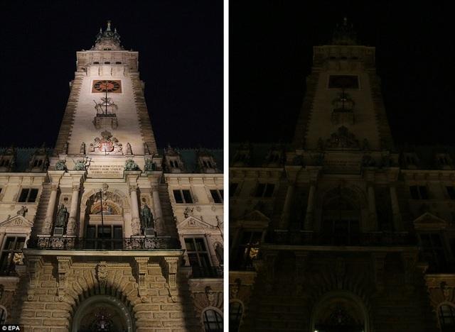 Tháp của tòa thị chính thành phố Hamburg, Đức.