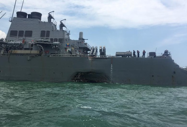 Trong thông báo mới nhất, Hải quân Mỹ đã yêu cầu các chỉ huy hạm đội thực hiện chương trình ngừng hoạt động của tàu chiến Mỹ trên toàn thế giới từ 1 đến 2 ngày trong tuần tới để kiểm tra lại các nền tảng cơ bản của hạm đội sau vụ va chạm giữa hai tàu ở ngoài khơi Singapore.