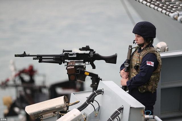 Tàu sân bay của Anh được trang bị các vũ khí hiện đại với lực lượng thủy thủ đoàn đông đảo. (Ảnh: PA)