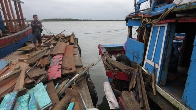 Sau khi xảy ra va chạm, cả hai tàu cá đều bị hư hỏng nặng