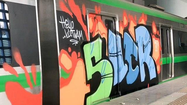 Hình ảnh bức vẽ graffity trên đoàn tàu Cát Linh - Hà Đông (ảnh: Toàn Vũ)