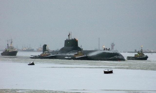 Tàu ngầm hạt nhân mang tên lửa đạn đạo lớp Akula Dmitriy Donskoi.