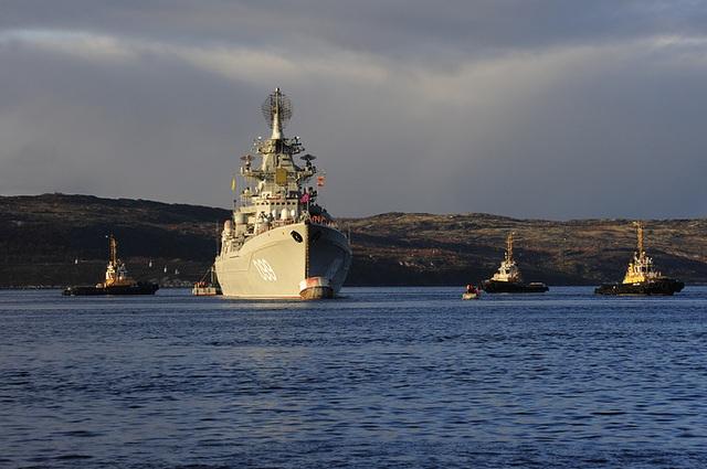 Tàu dẫn đầu của Hạm đội phương Bắc hiện nay là tàu tuần dương hạt nhân mang tên lửa Pyotr Velikiy.