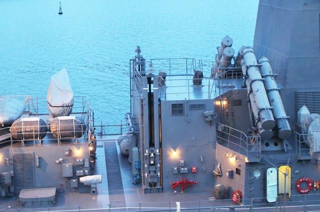 Sazanami 113 thuộc lớp Takanami, được tích hợp hỏa lực và hệ thống điều khiển điện tử hiện đại