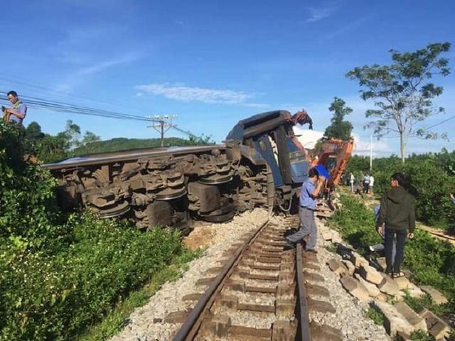 Vụ tai nạn đã khiến tuyến đường sắt Bắc - Nam tê liệt nhiều giờ liền