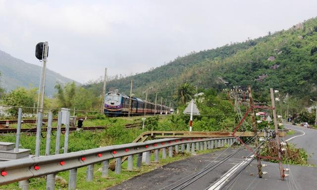 Dự kiến phải đến ngày 15/11 thì đường sắt Bắc – Nam mới có thể thông tuyến