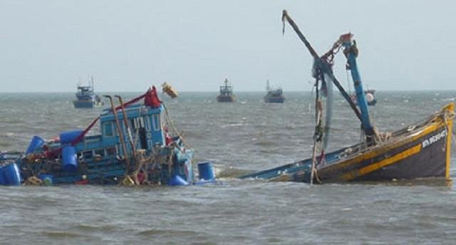 Một tàu cá của ngư dân Quảng Bình vừa bị tàu hàng lạ đâm chìm. (Ảnh minh họa)
