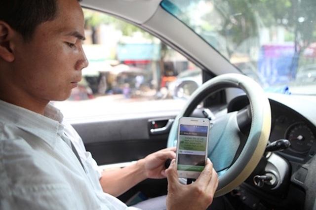 Nhiều ý kiến cho rằng, không riêng taxi, vé số... các loại hình kinh doanh kiểu truyền thống cần thay đổi quan điểm, chuyển từ ganh đua sang thi đua
