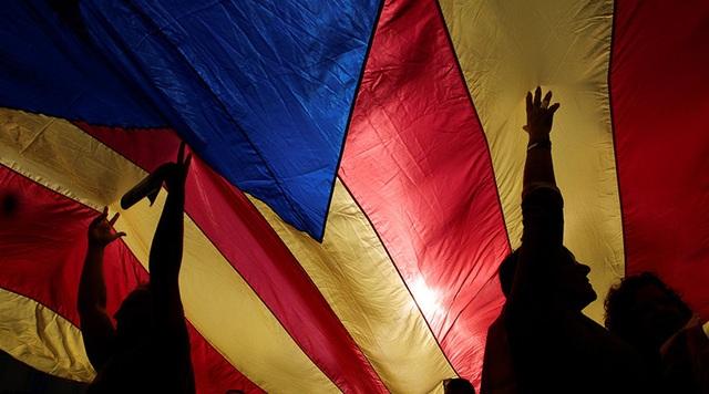 Các biện pháp do chính phủ của Thủ tướng Rajoy đề xuất cần được Thượng viện Tây Ban Nha bỏ phiếu thông qua vào ngày 27/10 trước khi bắt đầu có hiệu lực chính thức.