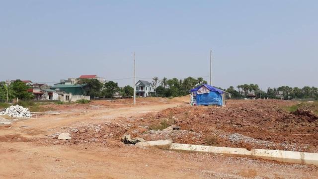 Dân đã phải dựng tạm lều để ở trên chính mặt bằng TĐC