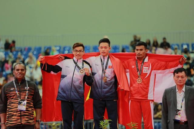 Lễ trao giải nội dung vòng treo nam môn Thể dục dụng cụ