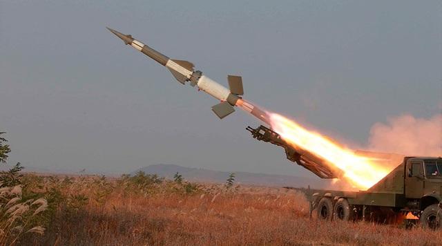 Tên lửa Triều Tiên rời bệ phóng (Ảnh: KCNA)