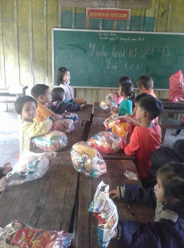 Thầy Tuấn cho biết, tết năm nay, các em đã đỡ khó khăn hơn mọi năm nhờ sự quan tâm của cộng đồng.