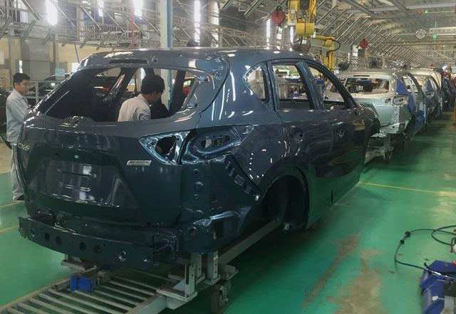 Các DN sản xuất ô tô trong nước cam kết tiên phong giảm giá để cạnh tranh với xe nhập khẩu.