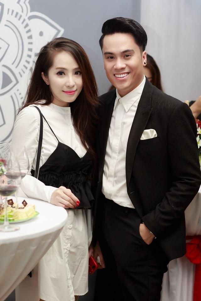 MC Thái Dũng cũng là người bạn thân thiết của Vân Hugo.