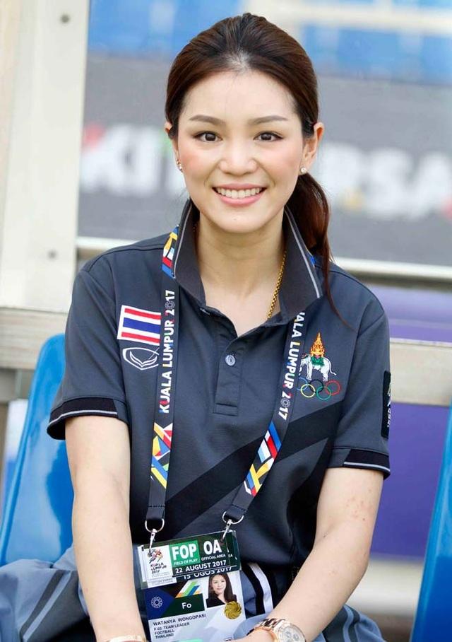 Nữ trưởng đoàn bóng đá Thái Lan Watanya Wongopasi