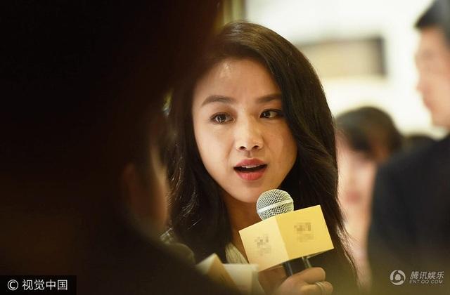 Thang Duy nổi danh toàn thế giới sau khi tham gia bộ phim Sắc, Giới của đạo diễn Lý An. Những cảnh sex trần trụi của cô trong phim đã tạo nên một cuộc tranh cãi lớn. Có người khen, có người chỉ trích. Và cũng chính vì vai diễn này, cô đã bị cấm xuất hiện trên truyền hình tại Trung Quốc.