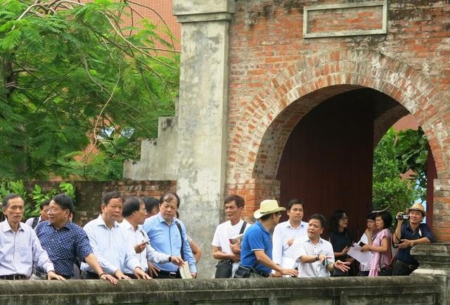 Các thành viên Hội đồng Di sản quốc gia nhận định di tích Thành Điện Hải có giá trị đặc biệt cả về mặt lịch sử và kiến trúc.