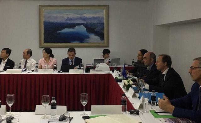 Các đại biểu EU và Việt Nam tham dự lễ khởi động dự án Các thành phố Thế giới tại Việt Nam vào sáng ngày 12/6 (Ảnh: An Bình)