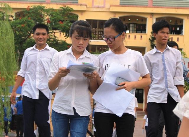 Các thí sinh dự thi THPT quốc gia năm 2016