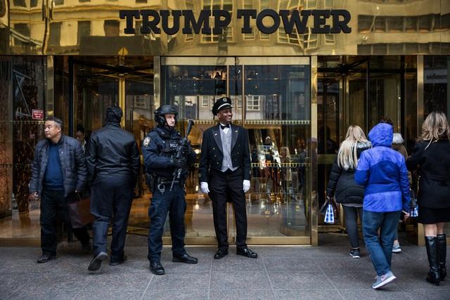 Bên ngoài Tháp Trump. (Ảnh: New York Times)
